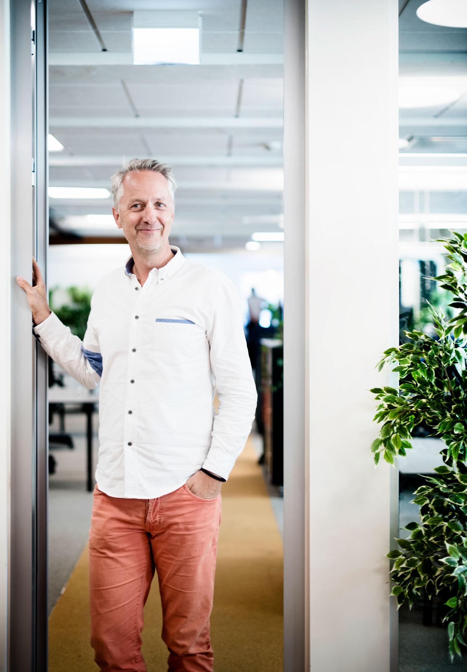 VERDENSPERSPEKTIV: Gjennom å investere i tech-startups som ønsker å bidra til et bedre samfunn, enten det er for utdanning, helse eller miljø, håper Anders H. Lier at han kan være med på å gjøre verden til et bedre sted for alle.