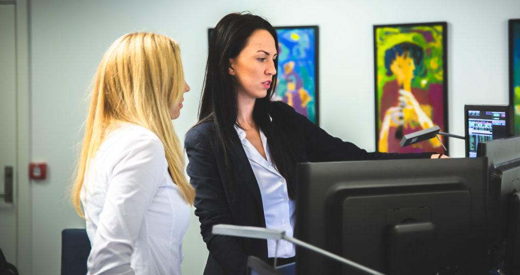 Alina Dobrica og Mathilde Nordby Jensen er fondsforvaltere i DNB Asset Management
